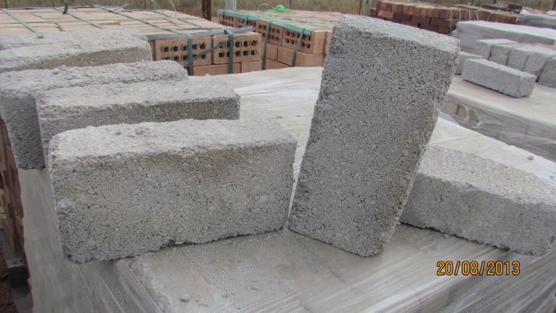 Bricks blitz construction maison b ton arm for Construction maison type californienne